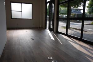 事務所(床貼り完了2)